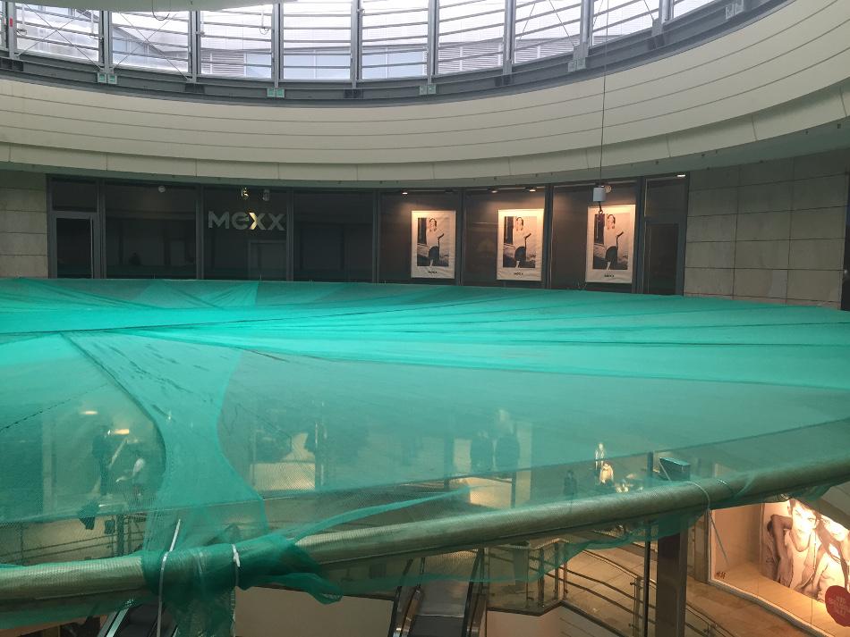 Staubschutznetz als Absturzschutz – Altmarktgalerie Dresden