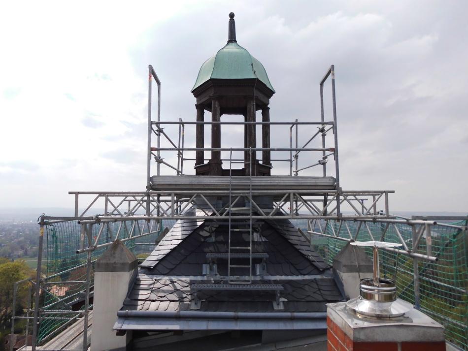 Sonderkonstruktion für Arbeiten an Turmspitze